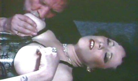 او متقاعد کریستینا دانلود بازی سکسی با لینک مستقیم به, رابطه جنسی